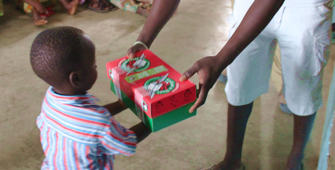 Shoeboxes handed out