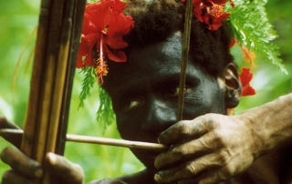 PNG_Nakui man shooting bow