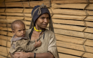Hewa Woman and baby