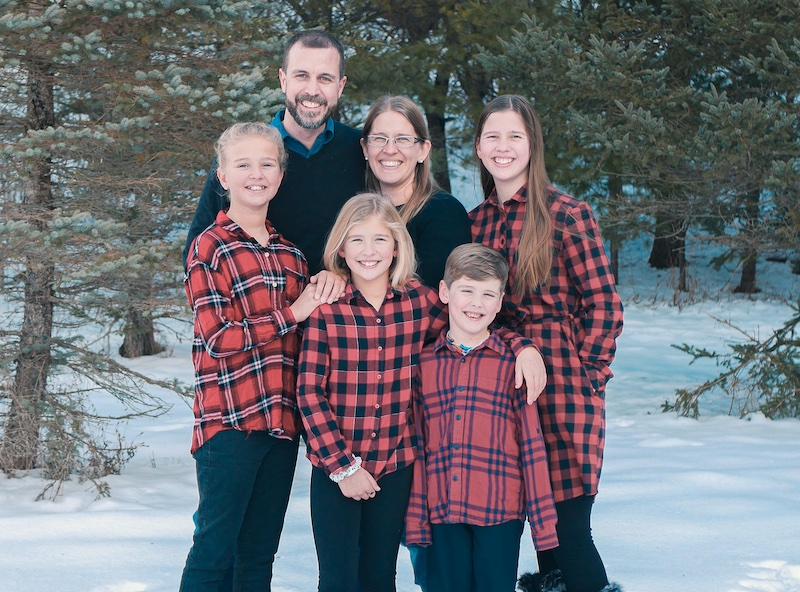 Jason and Angie Bechtel with their kids