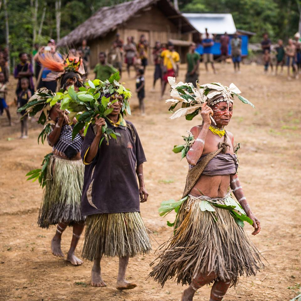 maliyali people in a traditional dance