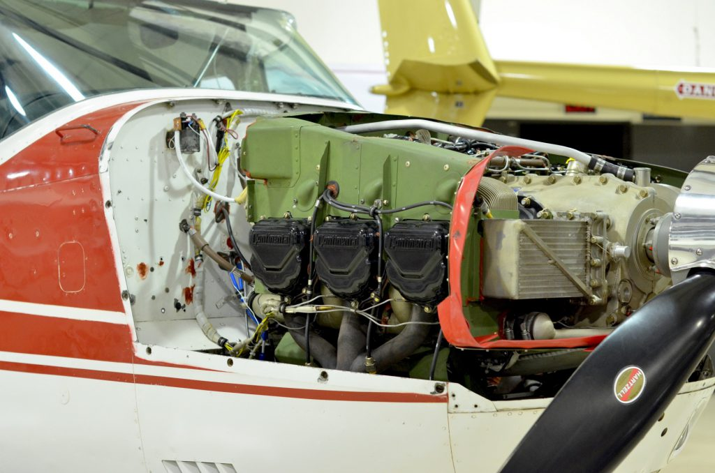 inner workings of a Cessna 206