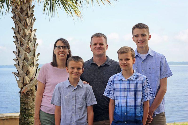 Dalton & Sue Dueck and family
